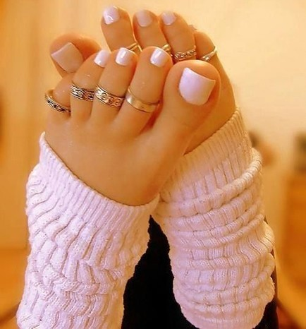 toe-ring-designs-to-take-his-breath-away-foot-fetish-and-also-great-nail-inspiration
